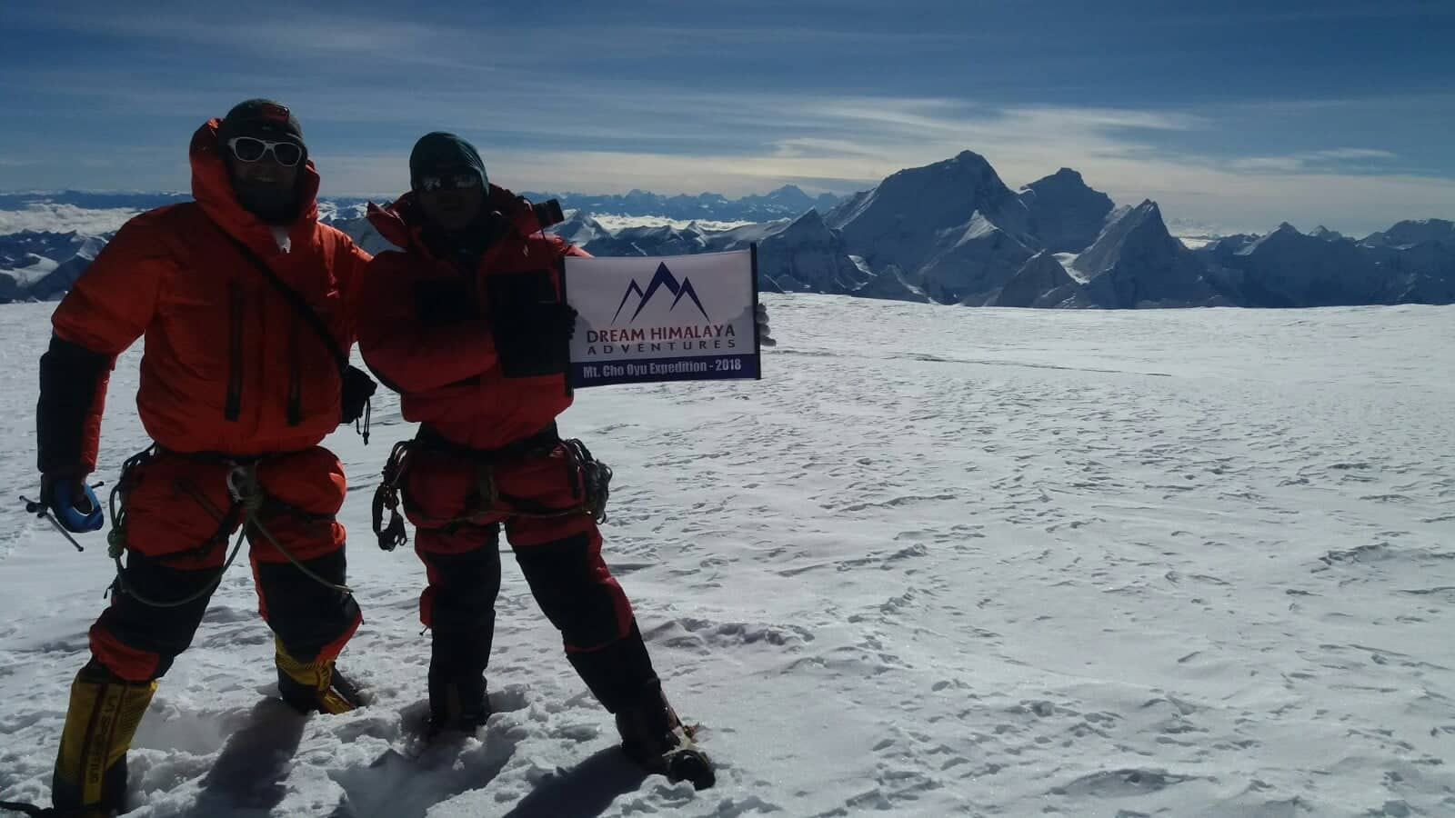 Furi sherpa on the summit of mt Cho Oyu expedition