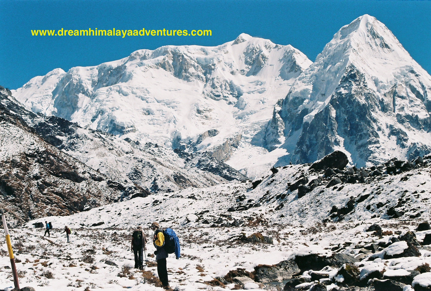 Kabra (left) & Rathng (right) in Kanchenjunga Circuit Trekking