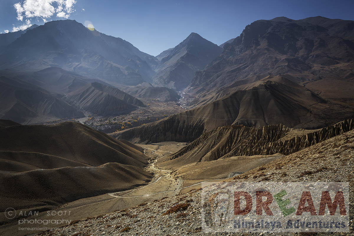 Views in Upper mustang Trekking